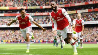 Alexandre Lacazette festeja su gol frente al Burnley