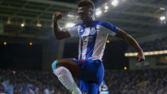 Zé Luis celebra uno de sus tres goles con el Porto