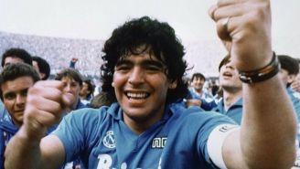 Maradona festeja triunfo contra Napoli