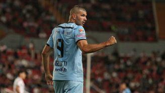 Emmanuel Gigliotti festeja empate contra Necaxa
