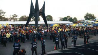 Operativo de seguridad previo a un juego en el Estadio Azteca
