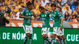 Jugadores de León tras un partido