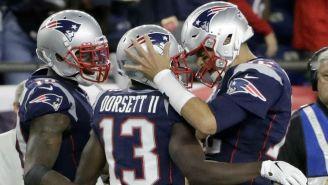Dorsett y Brady festejan anotación contra Steelers