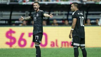 Miguel Layún y Marco Fabián en el juego del Tri