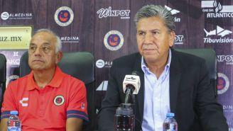 Raúl Arias durante la presentación de Enrique López Zarza