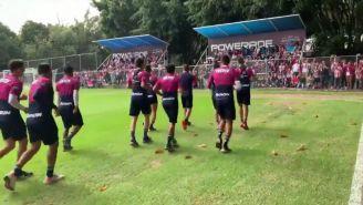 Jugadores del Chivas en entrenamiento en Verde Valle