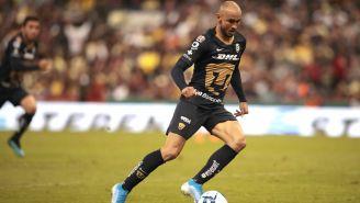 Carlos González durante el partido contra América