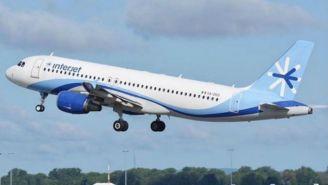 Avión de Interjet despega de un aeropuerto