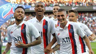 Neymar festeja gol con el PSG