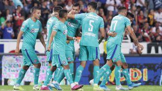 Jugadores de Cruz Azul celebran una victoria en el A2019