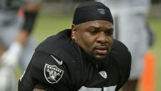 Vontaze Burfict se lamenta en un juego de los Raiders