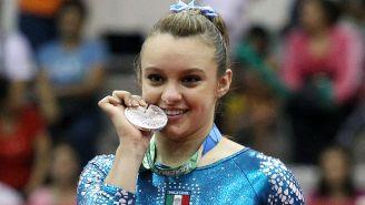 Ana Lago presume medalla de Juegos Centroamericanos