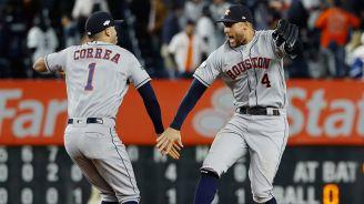 Jugadores de Houston celebran en Yankee Stadium
