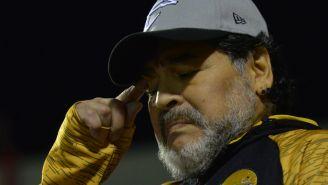 Maradona durante un partido de los Dorados