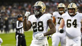 Latavius Murray festeja una anotación con los Saints