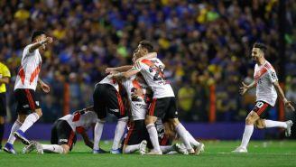 Jugadores de River festejan triunfo sobre Boca