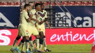 Jugadores del América festejan el gol en el Alfonso Lastras