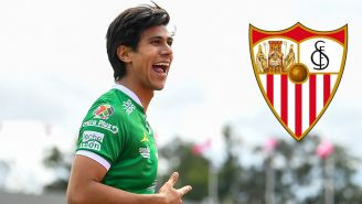JJ Macías festejando gol con León