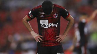 Facundo Barceló lamentando la derrota ante San Luis