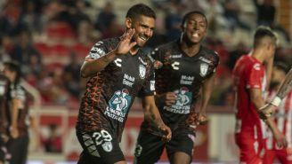 Francisco Jara festeja su gol ante Necaxa
