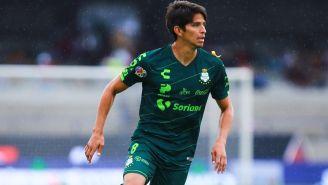 Carlos Orrantia, en un duelo con Santos en el Apertura 2019