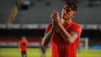 Gabriel Peñalba al final de un partido del Veracruz