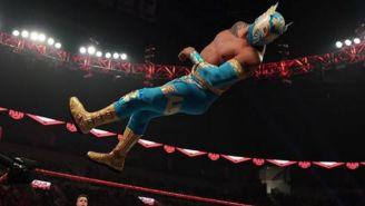 Sin Cara en un combate de la WWE