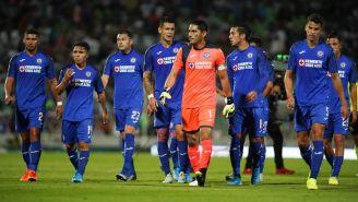 Jugadores del Cruz Azul en el partido ante Santos