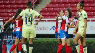 Chivas festeja gol contra América