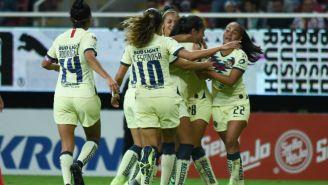 Jugadoras del América Femenil celebrando un gol contra Chivas