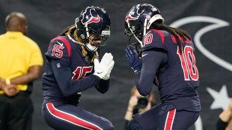 Will Fuller y DeAndre Hopkins celebran un touchdown contra Colts