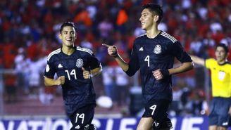 Edson Álvarez festeja una anotación con la Selección Mexicana
