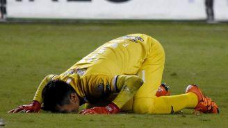 José Canales tras ser golpeado por un vaso