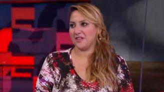 Karen Espíndola habla en una entrevista televisiva