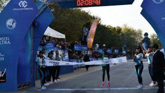 El keniano Evans Korir llegando a la meta de Monterrey