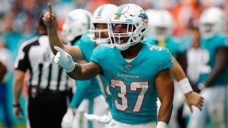 Myles Gaskin festeja un touchdown con Miami