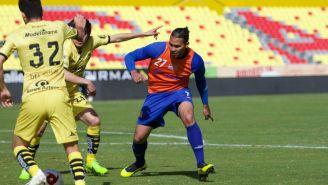 Carlos Peña durante el partido entre Monarcas y Correcaminos
