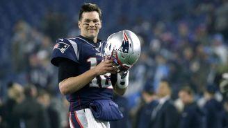 Tom Brady sonríe previo a un partido con Patriots