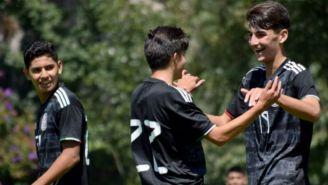Selección Mexicana Sub 16, celbra un gol