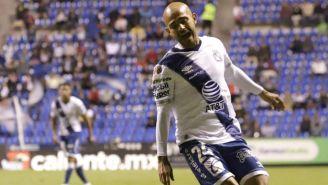 Acuña lamentando un fallo en el Estadio Cuauhtémoc