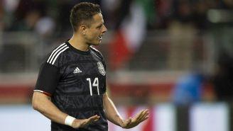 Chicharito Hernández festeja un gol con la Selección Mexicana