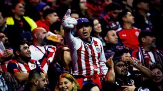Aficionado de Chivas en el Estadio Caliente