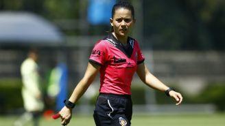 Karen Hernández durante un partido