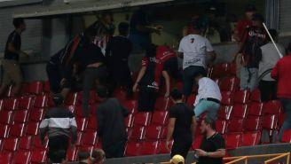 Hubo golpes en el Estadio Jalisco tras el Clásico Tapatío