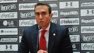 Francisco Suinaga en conferencia de prensa