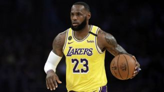 LeBron James en acción con Los Angeles Lakers