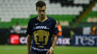Juan Dinenno durante un partido con Pumas