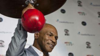 Mike Tyson en una conferencia de prensa