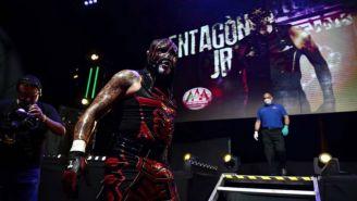 Pentagón Jr previo a una lucha en Lucha Fighter AAA