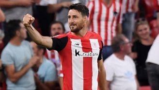 Aritz Aduriz celebra un gol con el Athletic